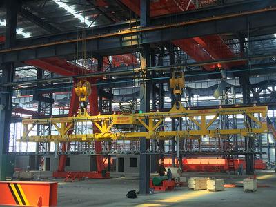 大型板材真空吊具案例--造船厂18T大型真空吸盘。适用于钢厂、铝厂、造船厂大型金属板材的吊运。
